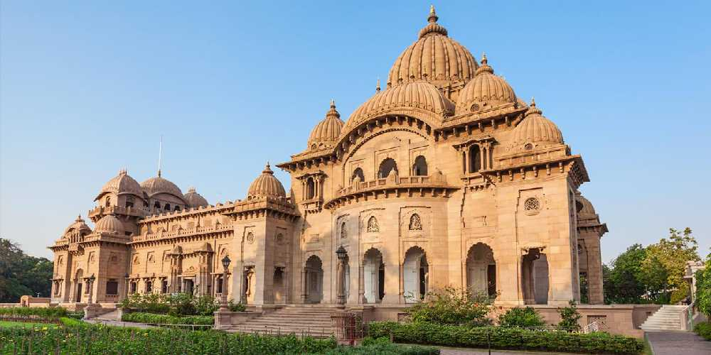 Belur Math In Bengal, Is A Place Of Pilgrimage, Incorporating The Motifs Of Various Religions, Symbolizing The Harmony Of Religions Taught By Sri Ramakrishna.